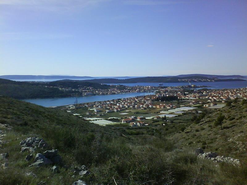 Investor-Grundstück in Trogir, Kroatien