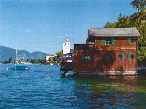 privates_Bootshaus_seitlich